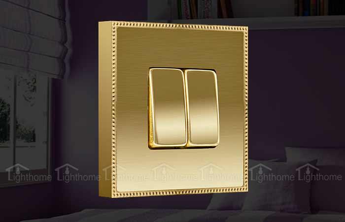 کلید و پریز فده مدل فلزی طلایی