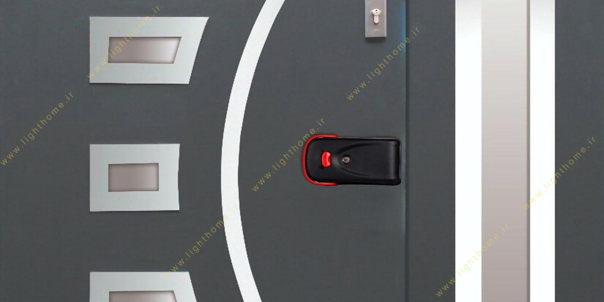 نصب آرام بند روی درب با قفل برقی